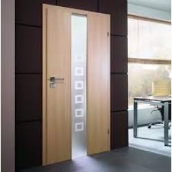 Laminētas durvis moderna stila